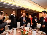 中国企业家杂志社社长何振红敬酒