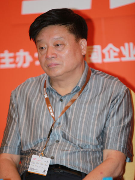 河南万里运输集团董事长陈立友