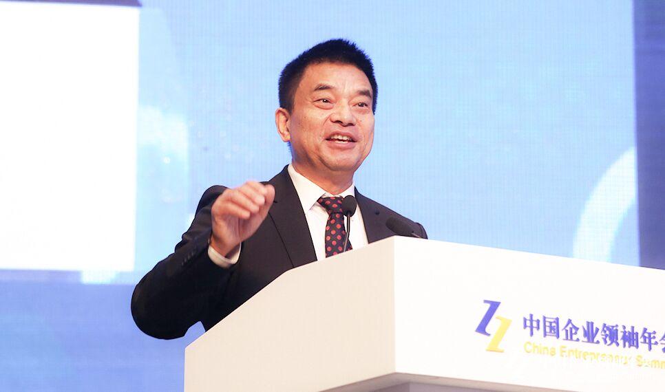 刘永好:民营企业有能力做好银行