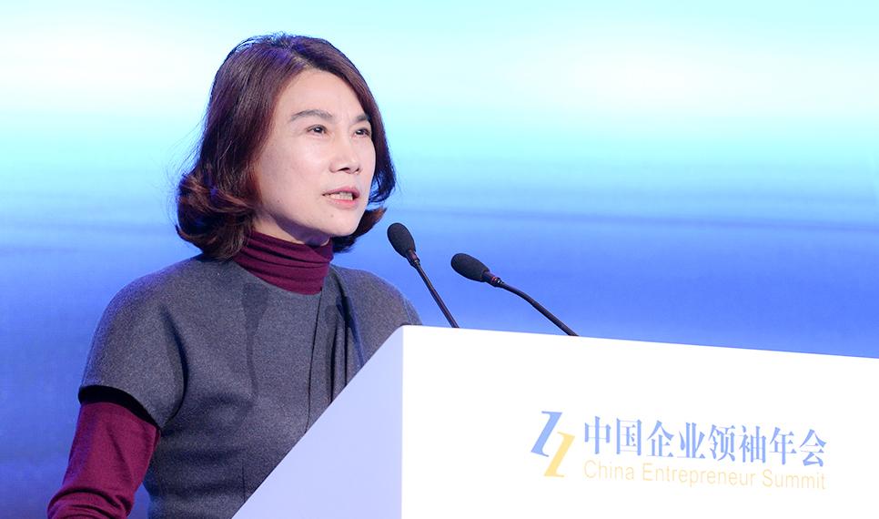 李东生透露了一个大消息,明年TCL将推出一款颠覆性的手机产品