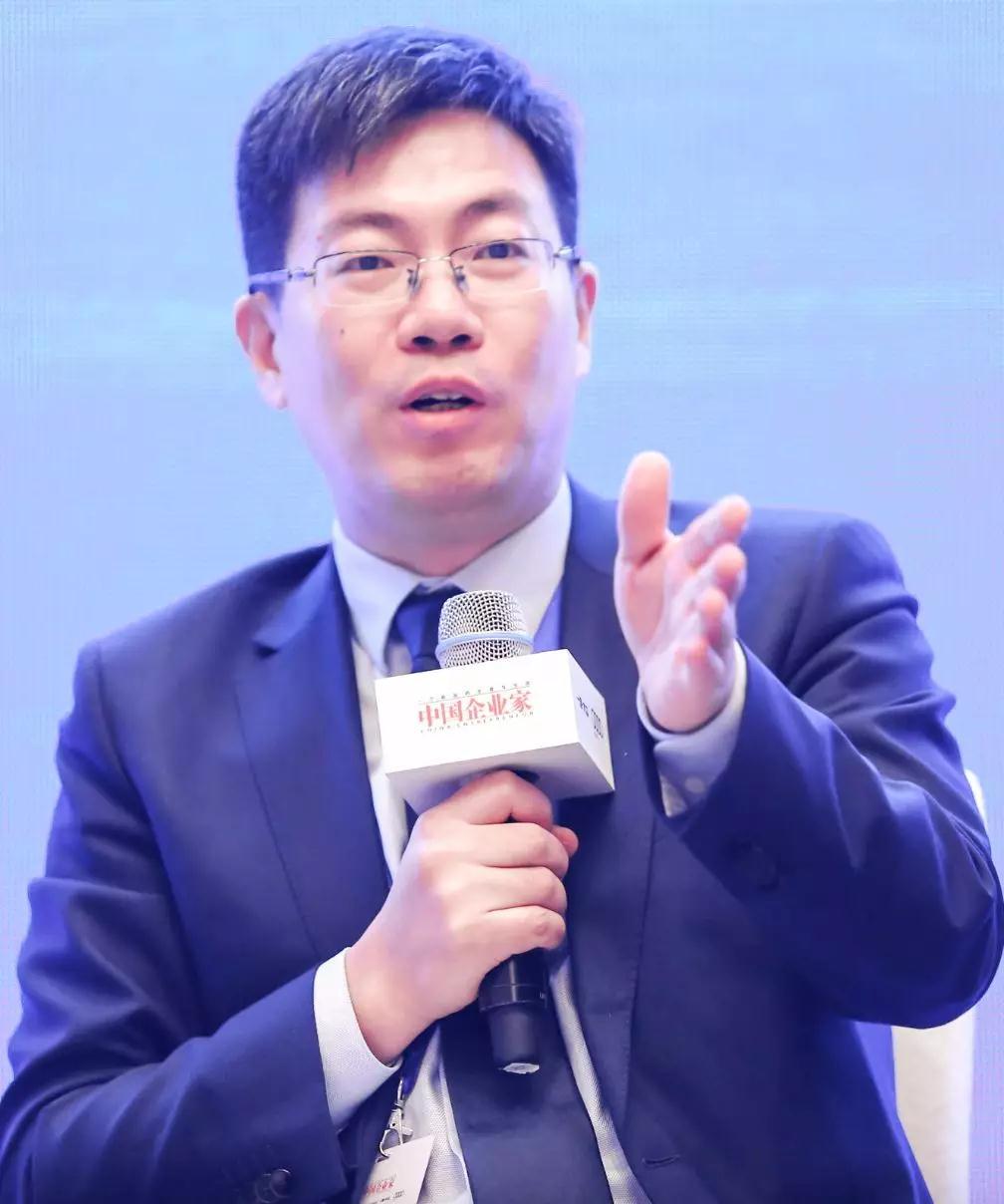 中国人民大学财政金融学院副院长谭松涛。