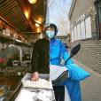 日料厨师送外卖,餐厅主管进盒马,鞋店导购做分拣……共享员工怎么样了
